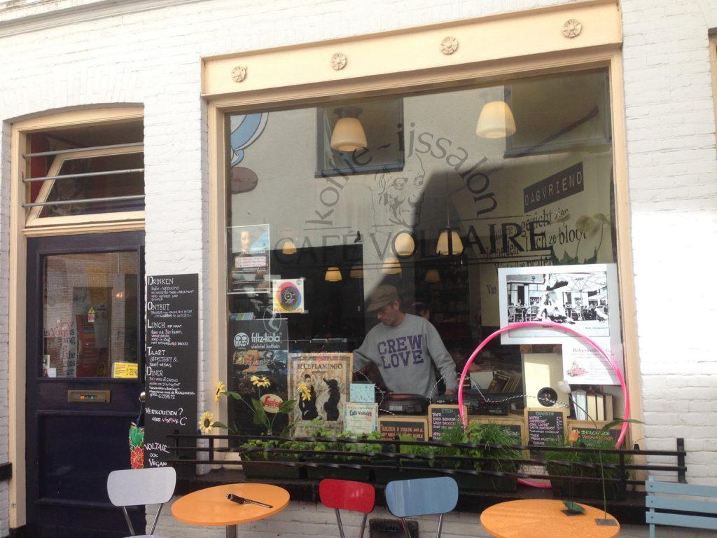Café Voltaire